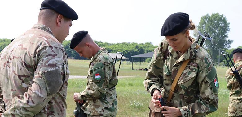Speciális tartalékosként a seregben