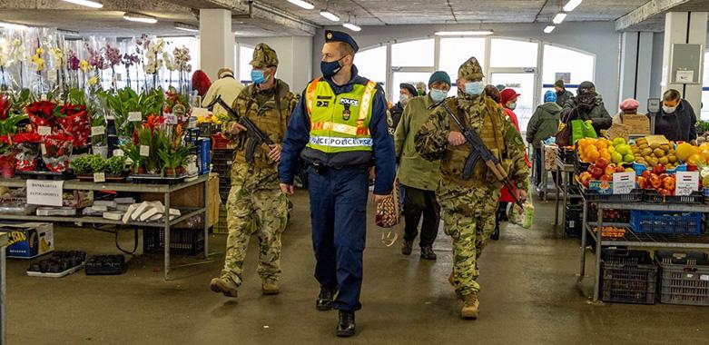 Katonai toborzás, katonára mindig szükség van